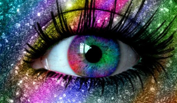 Голубые глаза против карих глаз, против зеленых глаз и против серых глаз